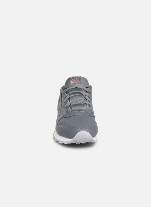 Sneaker Reebok Classic Leather W grau schuhe getragen