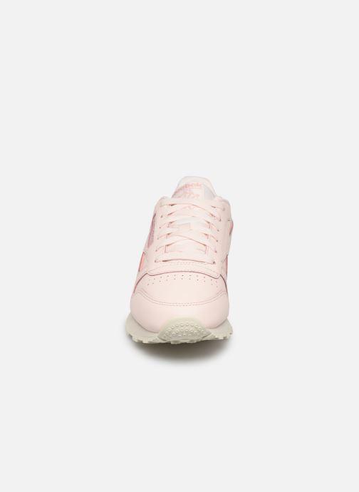 Sneakers Reebok Classic Leather W Rosa modello indossato