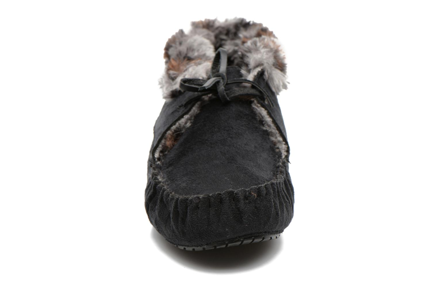 Slippers Ruby Brown Mocassin leopard collar Black model view