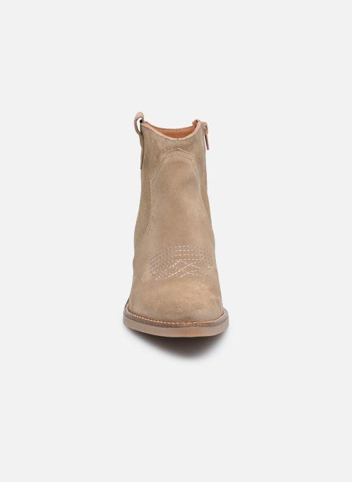 Bottines et boots Georgia Rose Ambre Beige vue portées chaussures