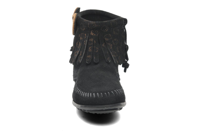 Stiefeletten & Boots Minnetonka Hello Kitty Fringe Bootie schwarz schuhe getragen