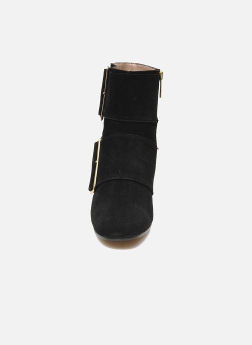 Boots Avril Gau Calor Svart bild av skorna på
