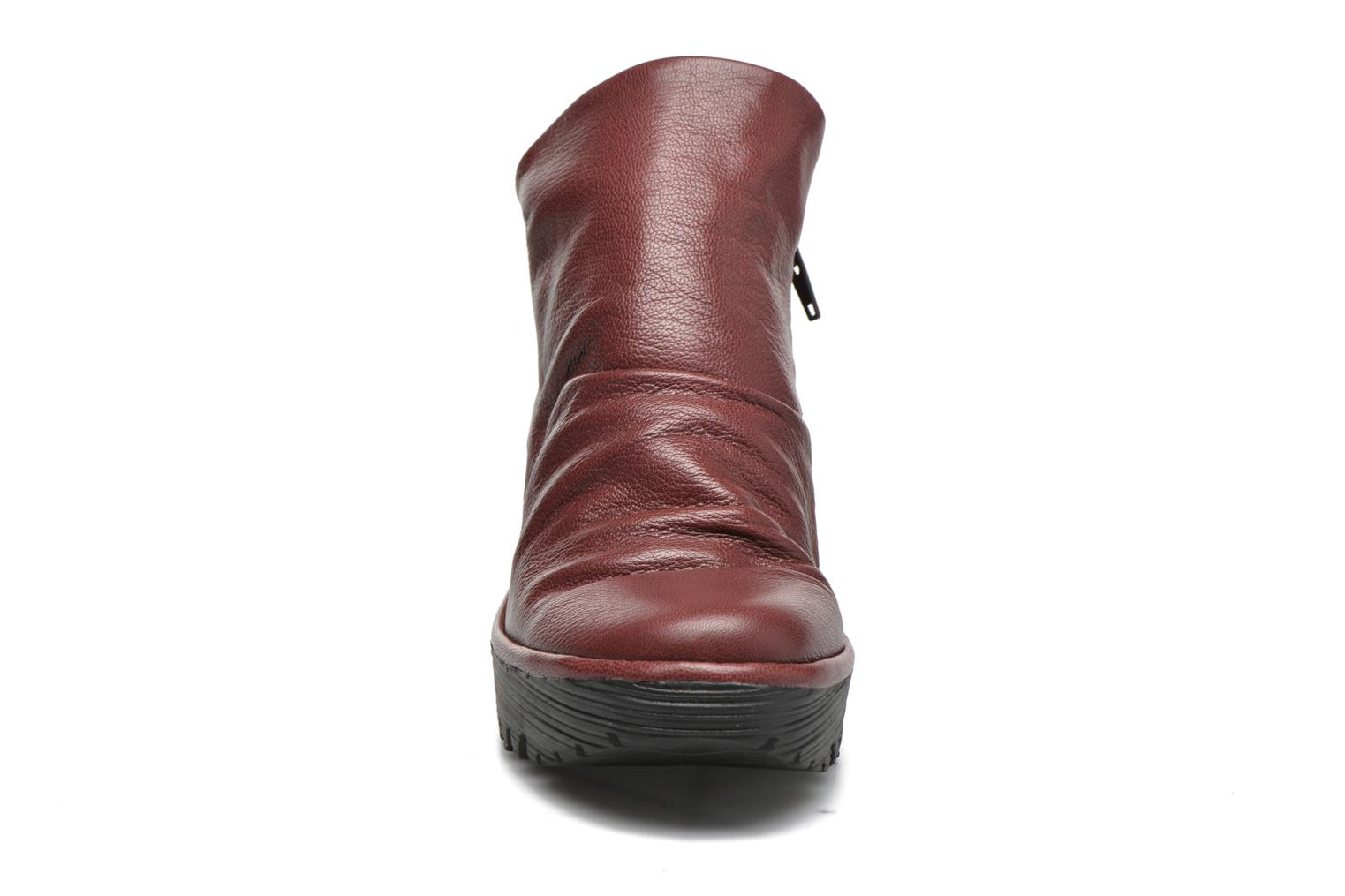 Bottines et boots Fly London Yip Rouge vue portées chaussures