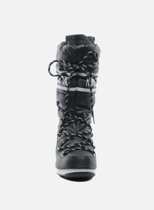 Sport shoes Moon Boot Duvet II Black model view