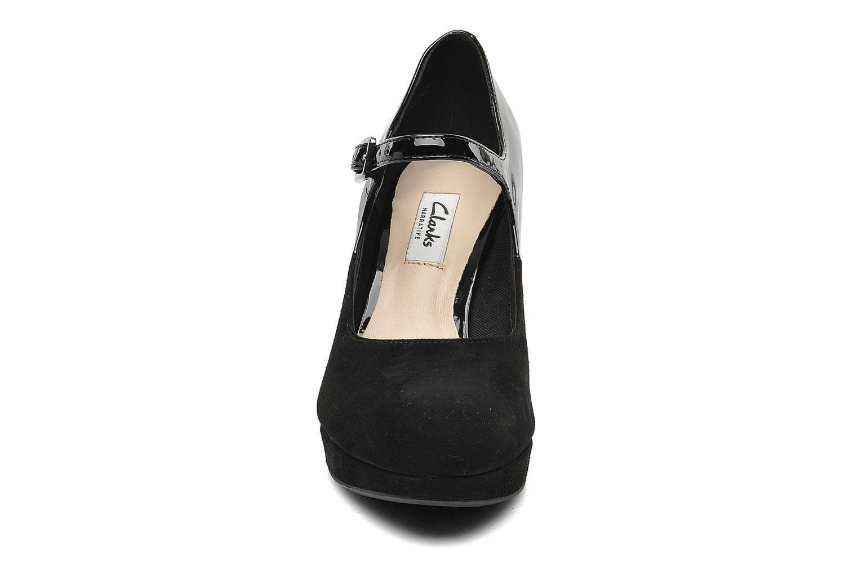 Høje hæle Clarks Angie Kendra Sort se skoene på