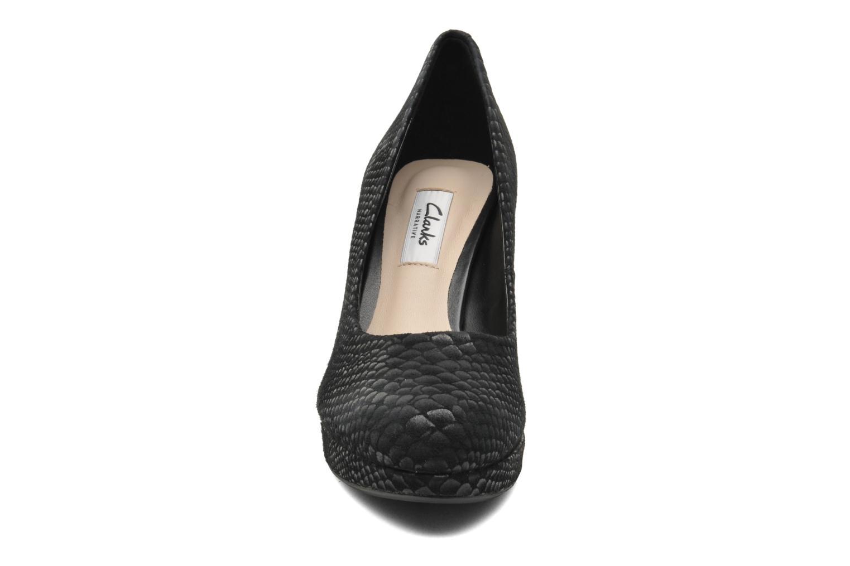 Escarpins Clarks Crisp Kendra Noir vue portées chaussures