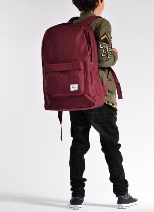 Rucksäcke Herschel Classic weinrot ansicht von unten / tasche getragen