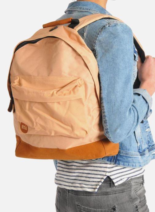 Rucksäcke Mi-Pac Classic Backpack schwarz ansicht von unten / tasche getragen