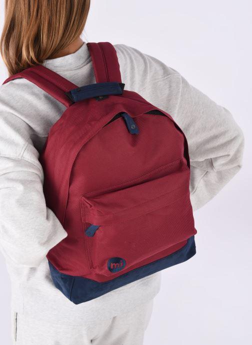 Rucksäcke Mi-Pac Classic Backpack weinrot ansicht von unten / tasche getragen