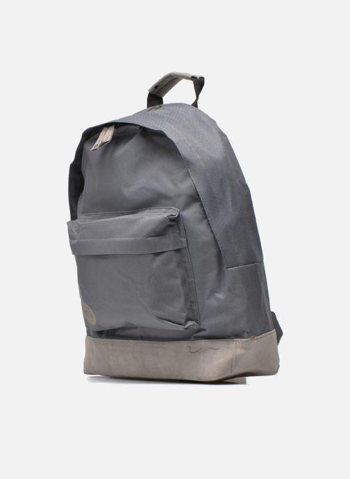 Rucksäcke Mi-Pac Classic Backpack grau schuhe getragen