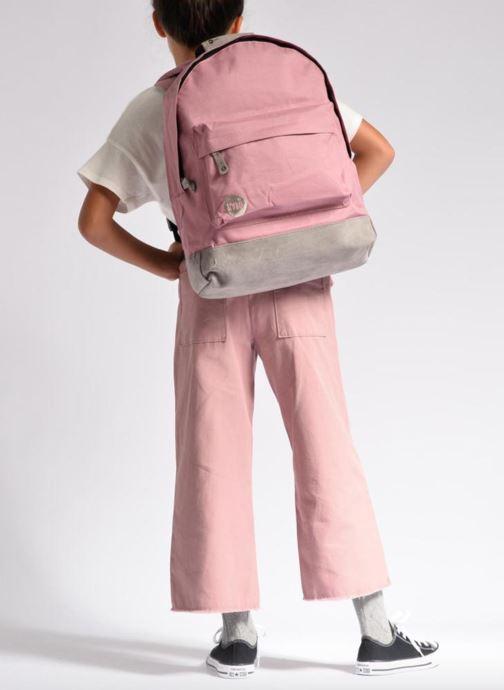Rucksäcke Mi-Pac Classic Backpack rosa ansicht von unten / tasche getragen
