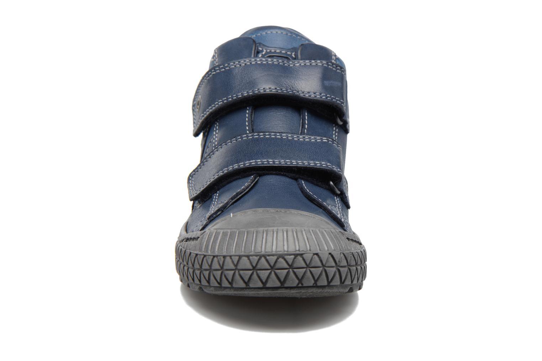 Sneakers Stones and Bones Nevan Azzurro modello indossato