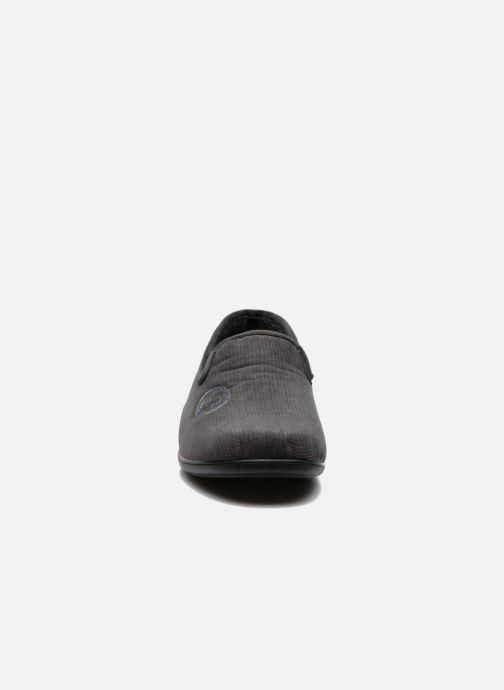 Pantofole La maison de l'espadrille Gaston Grigio modello indossato