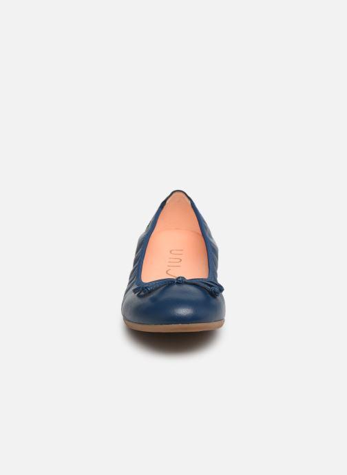 Ballerines Unisa CASIA Bleu vue portées chaussures