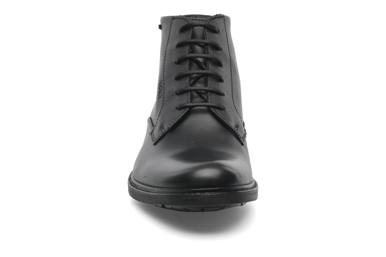 Chaussures à lacets Aigle Britten Mid Gtx Noir vue portées chaussures