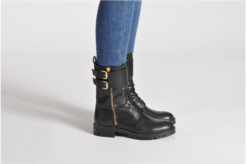 Stiefeletten & Boots Guess Martina schwarz ansicht von unten / tasche getragen
