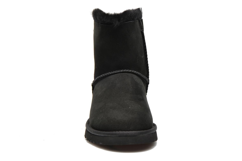 Bottines et boots UGG Mini Bailey Bow Noir vue portées chaussures