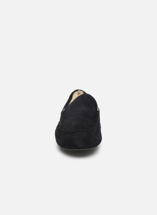 Slippers UGG Ascot Blue model view