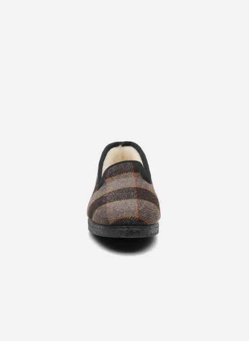 Pantofole Rondinaud Donzac Marrone modello indossato