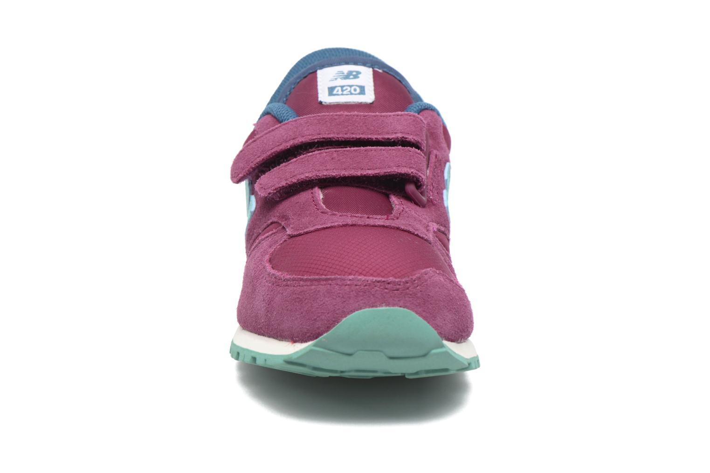 Baskets New Balance KE420 M Violet vue portées chaussures