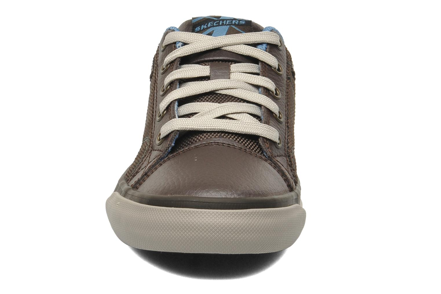 Trainers Skechers Diamondback Brown model view