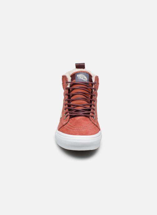 Baskets Vans SK8-Hi MTE W Rouge vue portées chaussures