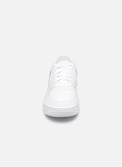 Sneakers Nike Air Force 1 (Gs) Bianco modello indossato