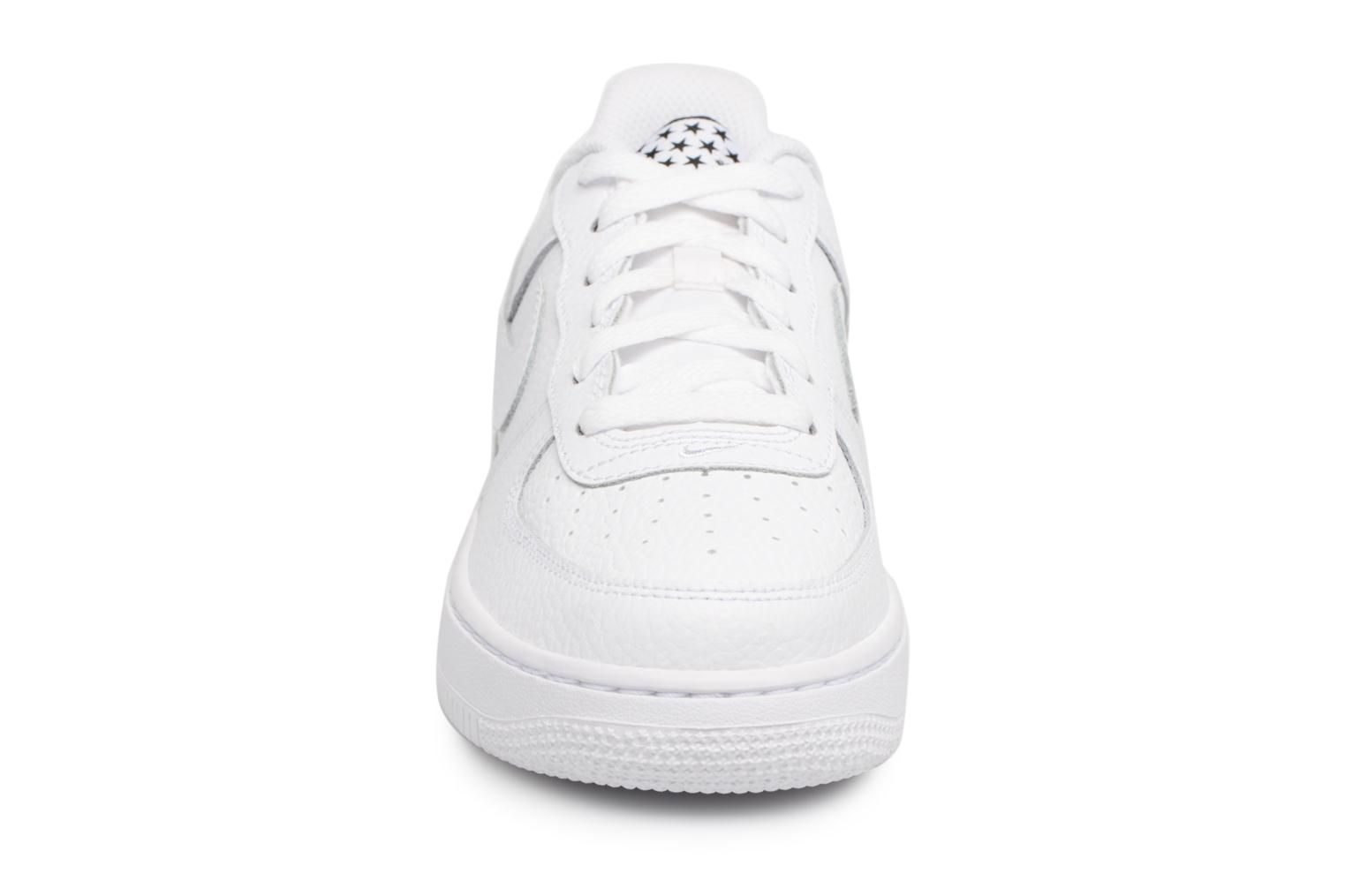 Trainers Nike Air Force 1 (Gs) White model view