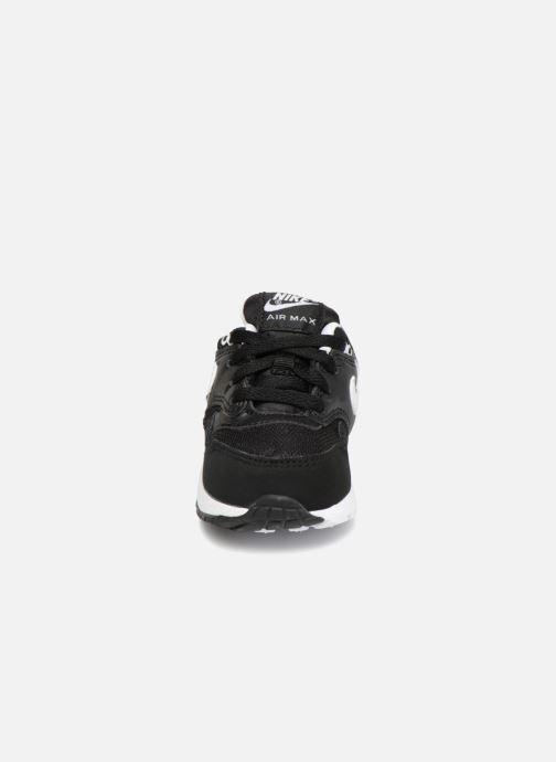 Baskets Nike Nike Air Max 1 (Td) Noir vue portées chaussures