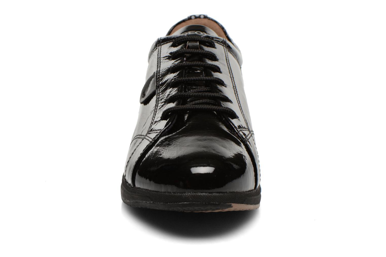 Baskets Geox D AVERY B D44H5B Noir vue portées chaussures