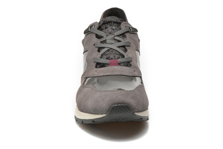 Sneaker Geox D SHAHIRA A D44N1A grau schuhe getragen