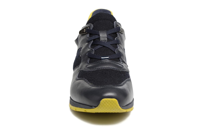 Sneakers Geox D SHAHIRA A D44N1A Azzurro modello indossato
