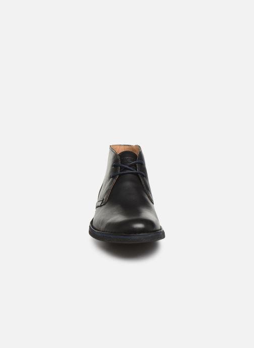 Zapatos con cordones Kickers Mistic Negro vista del modelo