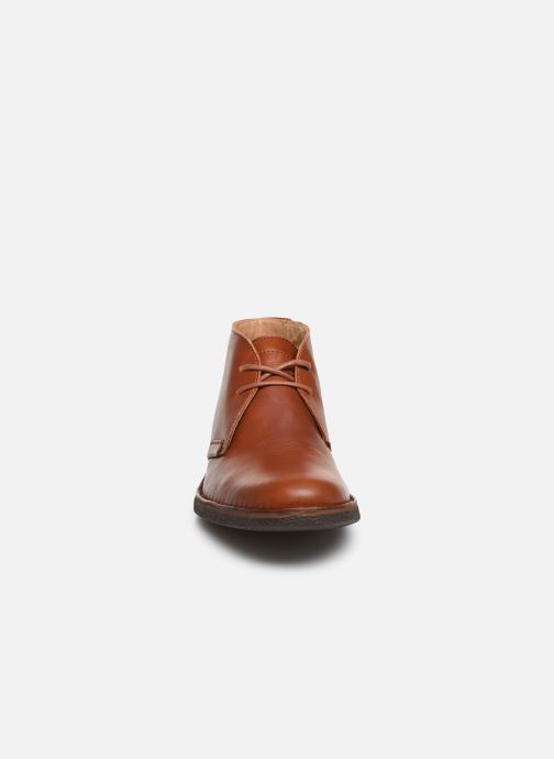 Zapatos con cordones Kickers Mistic Marrón vista del modelo