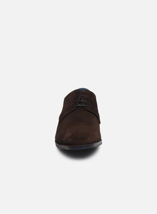 Snörade skor Brett & Sons Bari Brun bild av skorna på