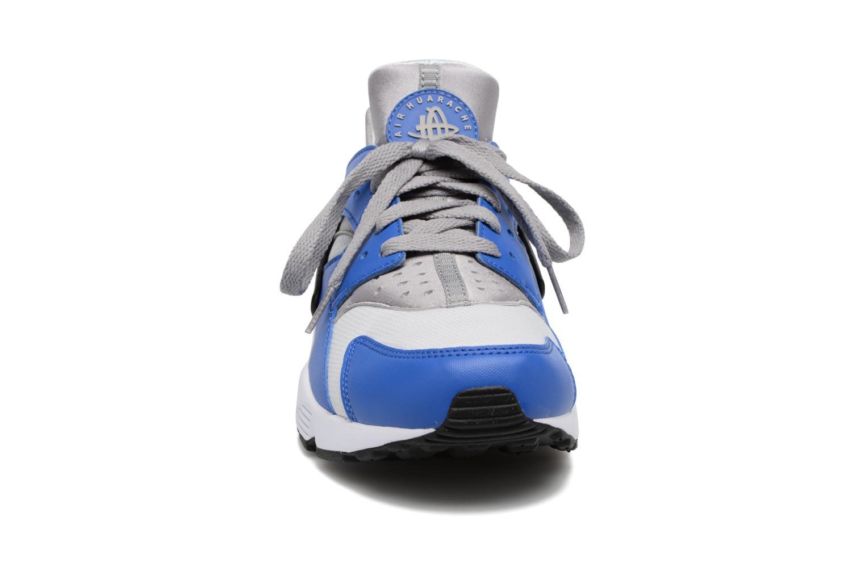 Baskets Nike Nike Air Huarache Bleu vue portées chaussures