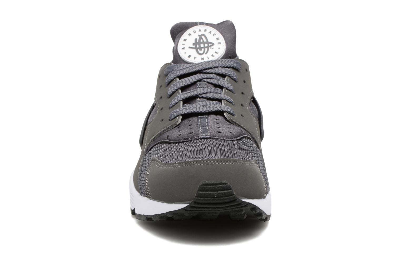 Deportivas Nike Nike Air Huarache Gris vista del modelo