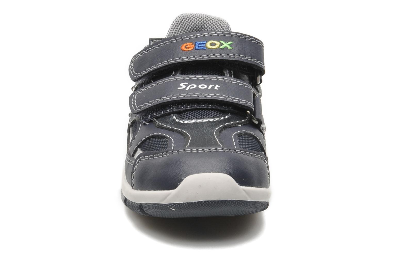 Baskets Geox B SHAAX A Bleu vue portées chaussures