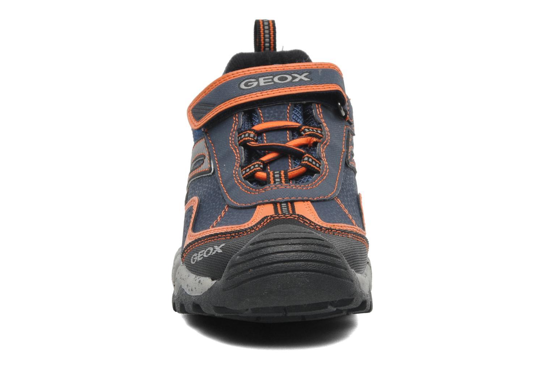 Baskets Geox JR MOUNTAIN B ABX E Bleu vue portées chaussures