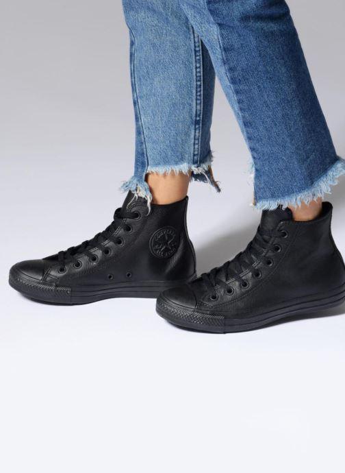Sneaker Converse Chuck Taylor All Star Mono Leather Hi W weiß ansicht von unten / tasche getragen