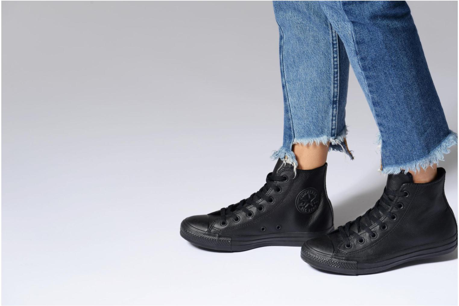Trainers Converse Chuck Taylor All Star Mono Leather Hi W White view from underneath / model view