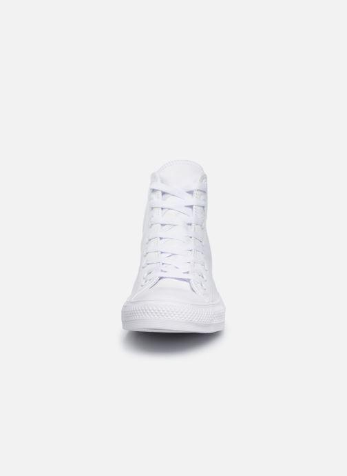 Baskets Converse Chuck Taylor All Star Mono Leather Hi M Blanc vue portées chaussures