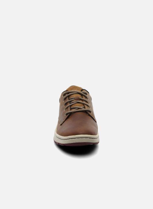 Sneaker Caterpillar Colfax braun schuhe getragen
