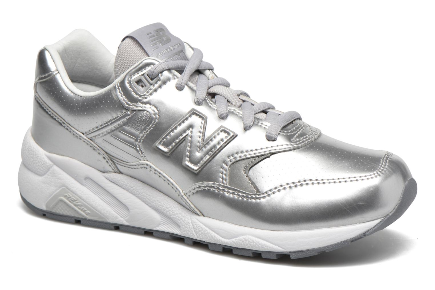 Trainers New Balance WRT580 Silver detailed view/ Pair view