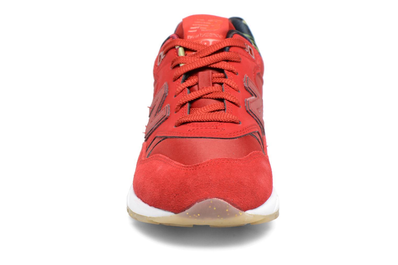 Sneaker New Balance WRT580 rot schuhe getragen