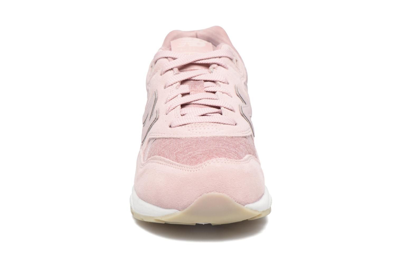 Sneakers New Balance WRT580 Rosa bild av skorna på