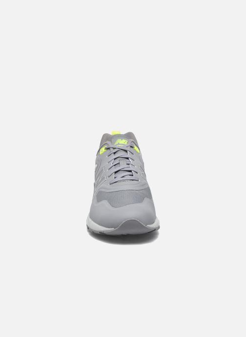 Sneaker New Balance MRT580 grau schuhe getragen