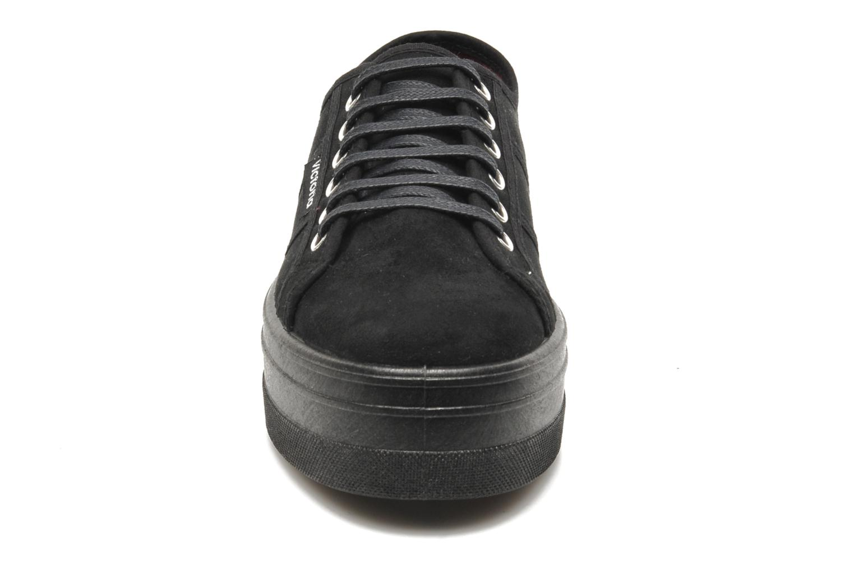 Zapatos con cordones Victoria Blucher Antelina Plataforma Negro vista del modelo