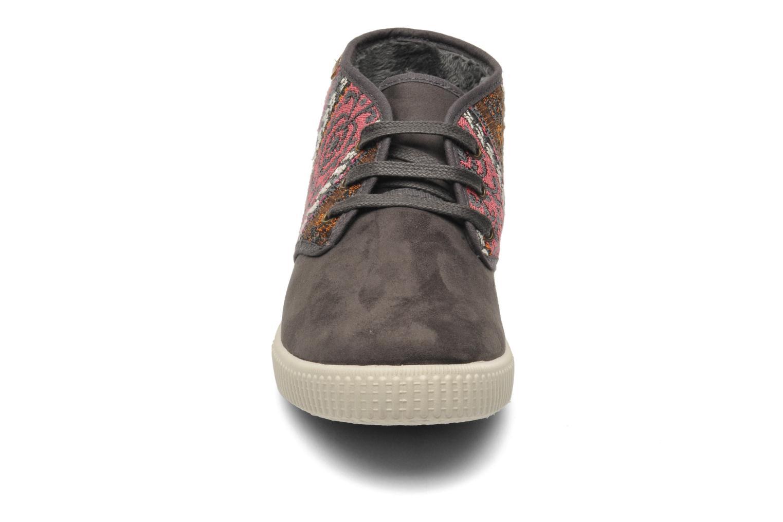 Baskets Victoria Safari Tejidos Etnicos Gris vue portées chaussures