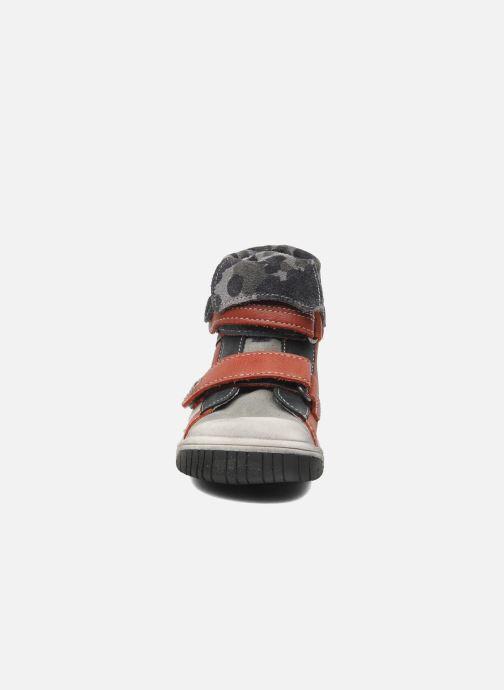 Zapatos con velcro Babybotte ARTIZOU Rojo vista del modelo